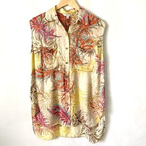 Cabi silk sleeve less button blouse size M